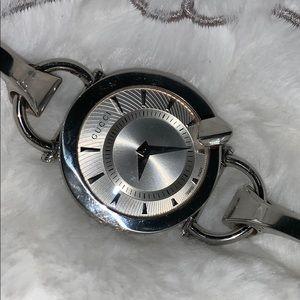 ⌚️ Authentic GUCCI 122.5 Chiodo Wristwatch ⌚️